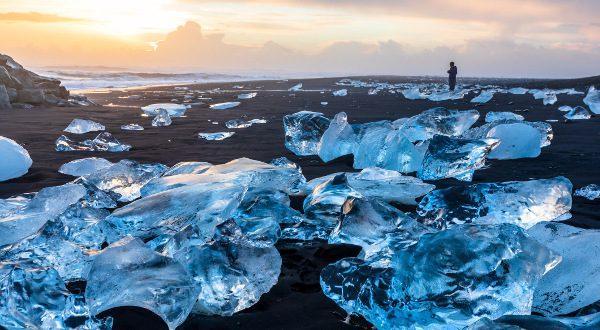 Diamond-Beach-en-Islande-iStock