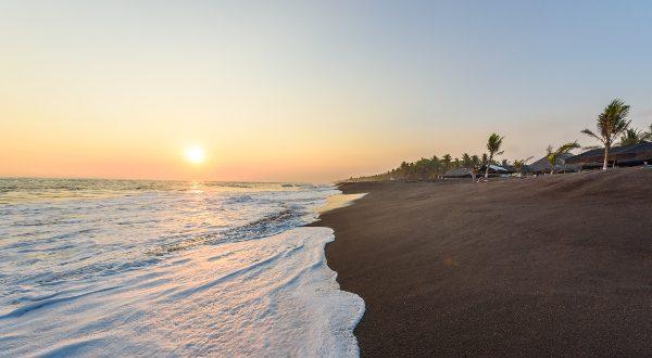 La-plage-de-Monterrico-au-Guatemala-iStock