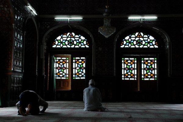 Musulmanes-en-la-mezquita