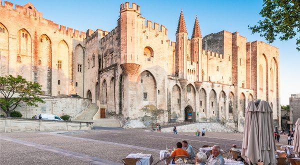Palais des Papes avignon Shutterstock
