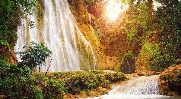 cascade-dEl-Limón-République-Dominicaine-iStock