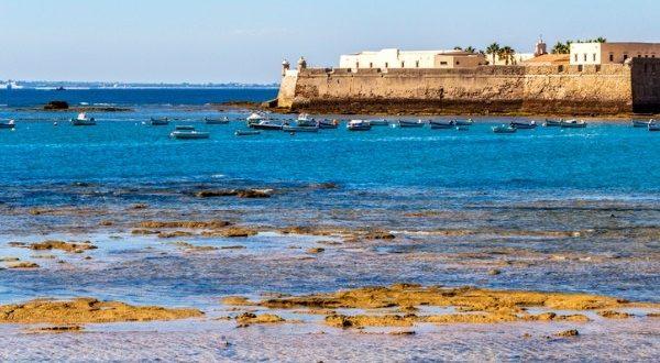 Château de Santa Catalina Cadix iStock