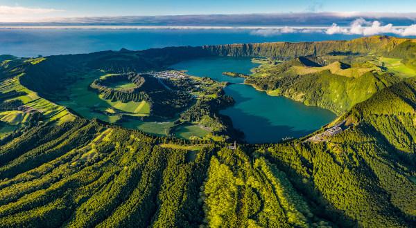 Açores Sao Miguel Miradouro da Vista do Rei iStock